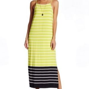 🆕️VINCE CAMUTO STRIPED MAXI DRESS